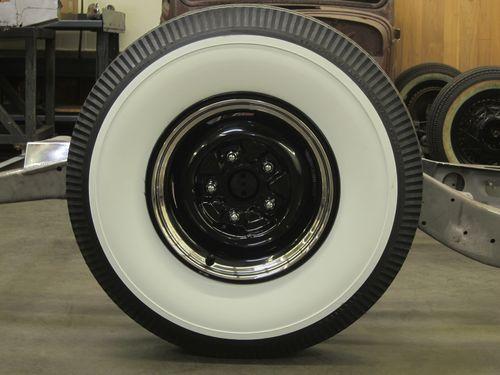 """Ford 15"""" Steelie w Firestone Deluxe Whitewalls"""